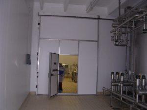 Откатная дверь МТН с подвесным путем для туш
