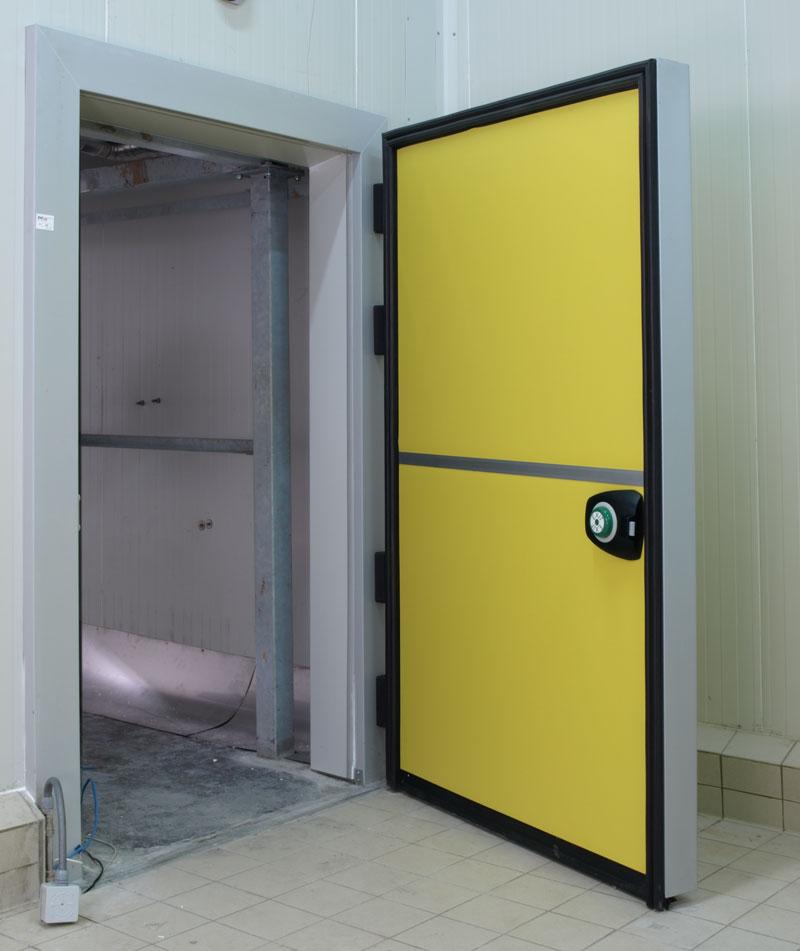 Распашная дверь для холодильных камер